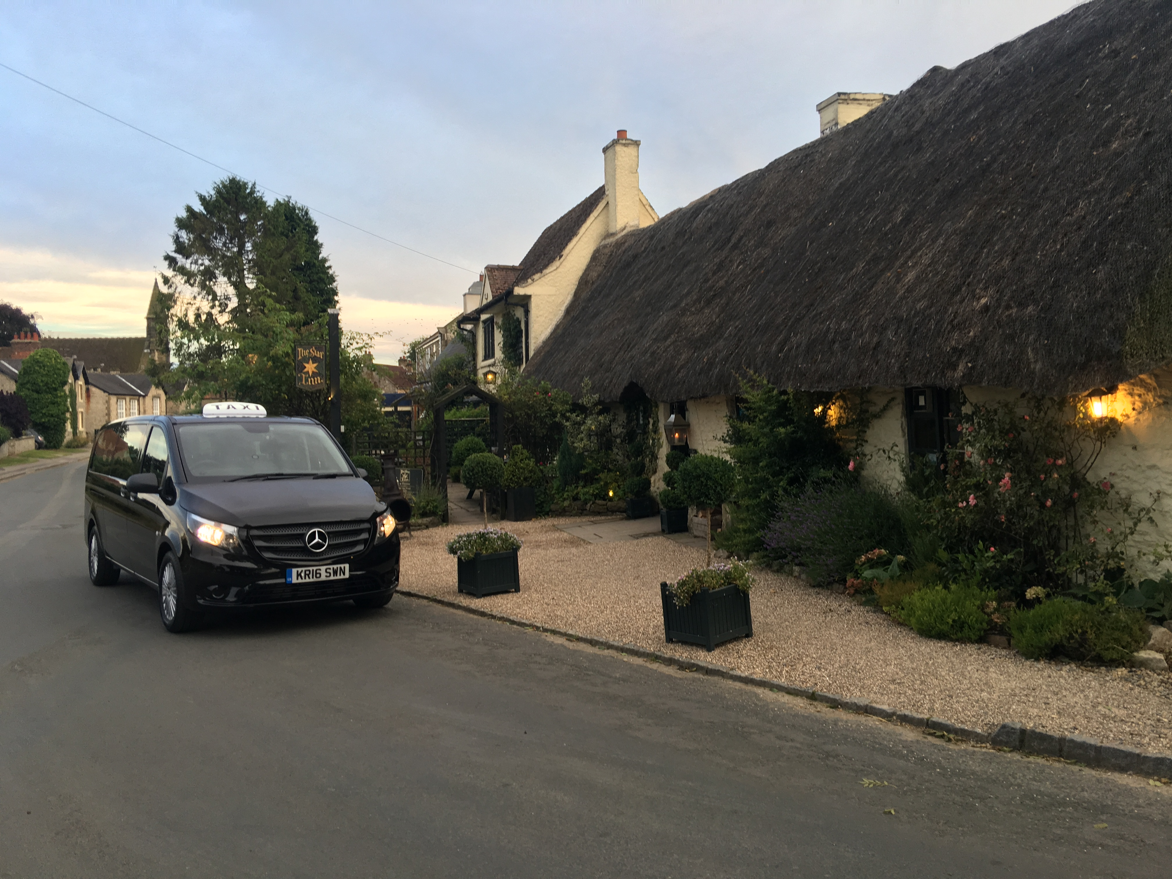 Mercedes V Class outside the Star Inn at Harome